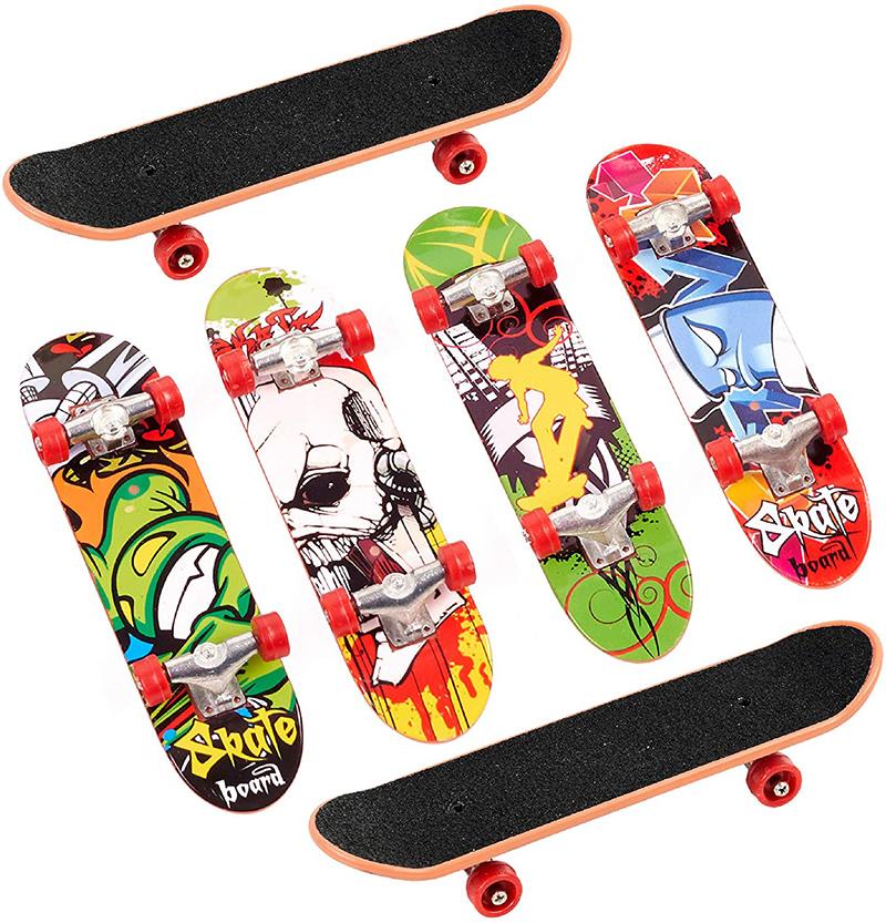 Test - 12 Finger Skate en 12 Motifs Différents - Mini Fingerboard, Miniature - Skateboard de Doigt, Petite Planche à Roulette – Fête d'Anniversaire d'Enfant, Cadeau, Jouet, Remplissage Piñata,