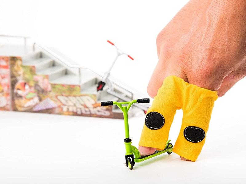 Test - Grip & Tricks - Coffret 5 produits - Finger Scooter - Mini Trottinette - Finger Mini Skates - Roller BMX - Dimensions 25 X 20,5 X 5 cm