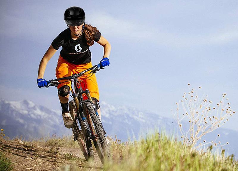 Test KINGLEAD Casque de Vélo Unisexe de Réglable Casque VTT avec Visière